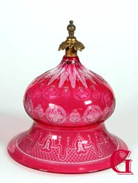 CRANBERRY GLASS DOME